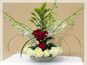 Pure Innocence :: Signature Flower Arrangement