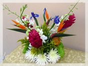 Irisiana :: Tropical Flower Arrangement